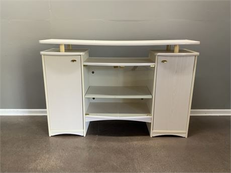 PILLIOD FURNITURE Entertainment Stand