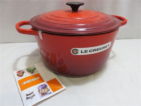 LE CREUSET Signature Enameled Cast Iron Round Dutch Oven
