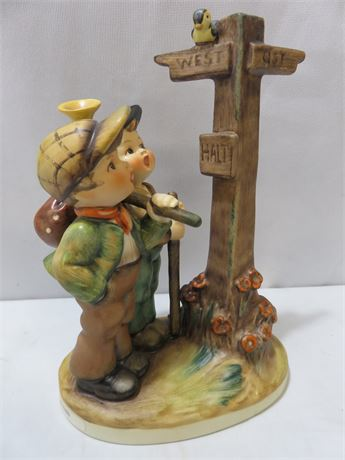 HUMMEL Cross-Roads Figurine