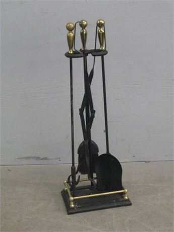 BLACK WROUGHT IRON AND BRASS PLATE FIREPLACE TOOL SET