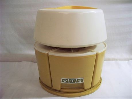 VINTAGE RUBBERMAID HARVEST GOLD MID CENTURY LAZY SUSAN CAROUSEL CANISTER SET