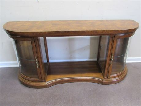 VERY NICE CREDENZA/SOFA TABLE WITH CURVED GLASS DISPLAY AREAS ON EACH END