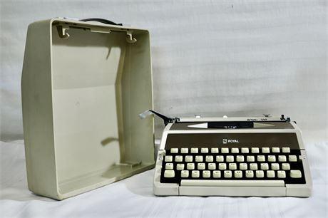 Portable Vintage Royal 200 Typewriter