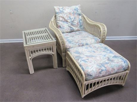 BENCH CRAFT RATTAN/WICKER OCCASIONAL CHAIR AND OTTOMAN WITH END STAND
