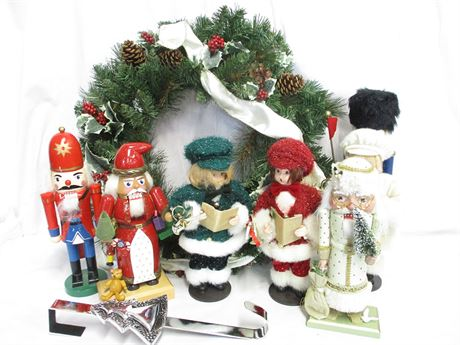ANOTHER LOT OF CHRISTMAS DECOR