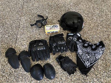 Motorcycle Gloves & Goggles