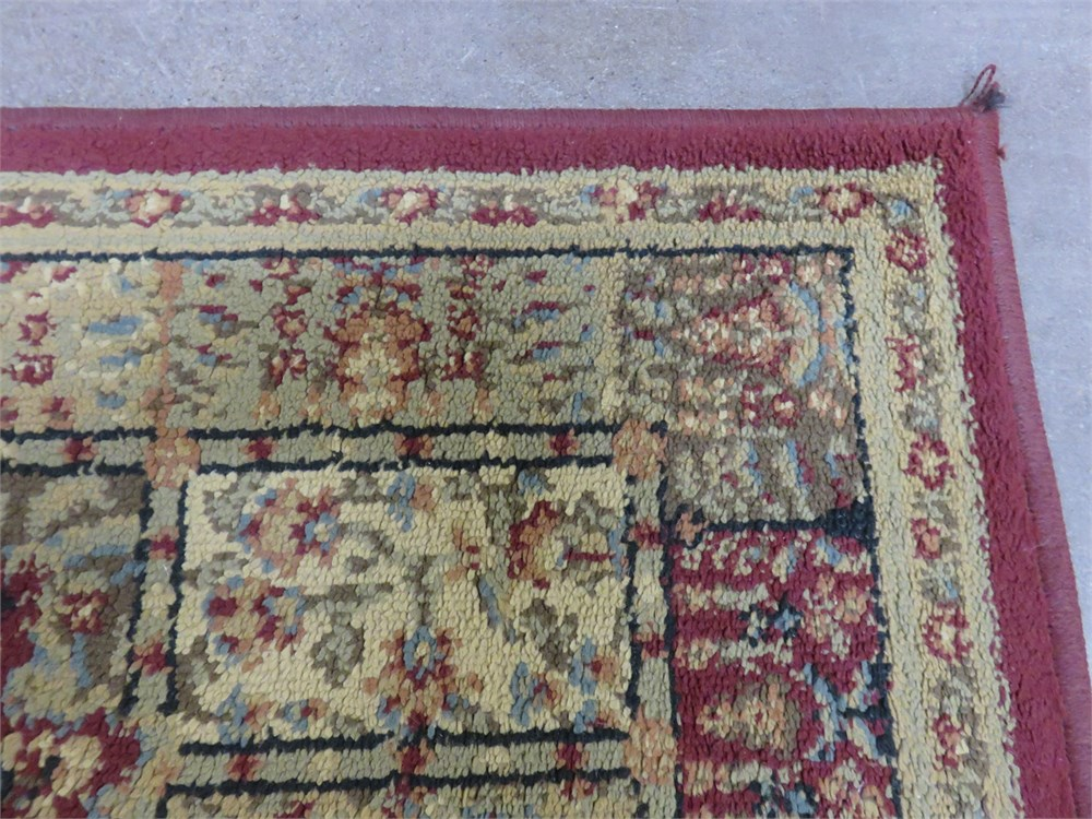 Transitional Design Online Auctions Shaw Accent Rug
