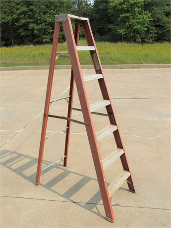 Louisville 7' Step Ladder
