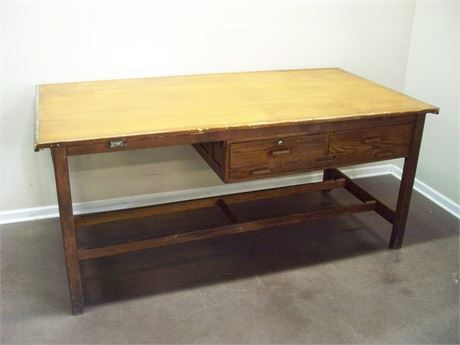 VINTAGE HAMILTON DRAFTING/DRAWING TABLE