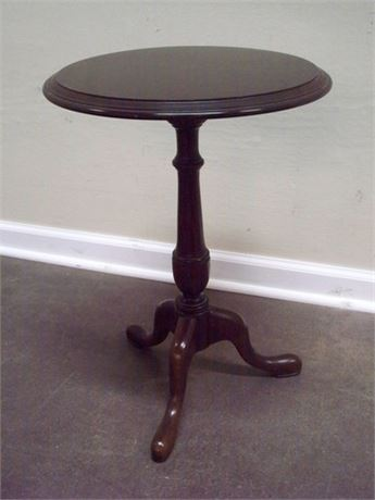 SMALL ETHAN  ALLEN SIDE TABLE
