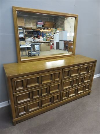 DREXEL Compatica Mid-Century Dresser