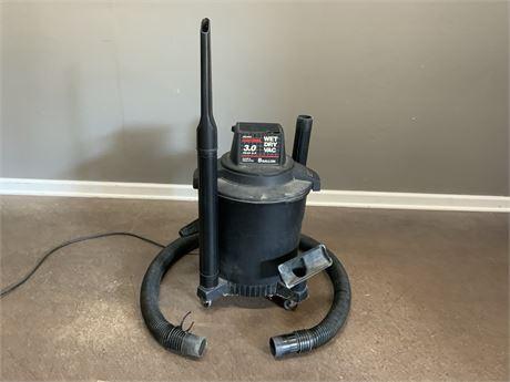 CRAFTSMAN 8-Gallon Wet Dry Vacuum