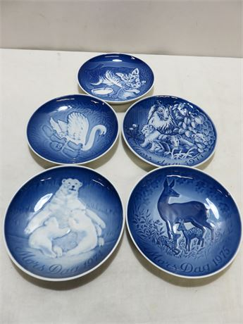 Vintage 1971-77 BING & GRONDAHL Mother's Day Plate Collection