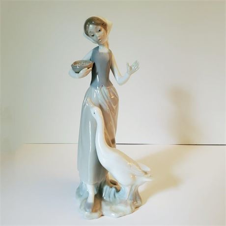 "Lladro Figurine ""Girl With Duck"" #1052"
