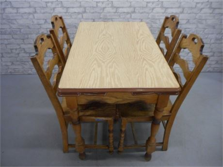 VINTAGE PORCELAIN TOP TABLE WITH PULL-OUT LEAVES AND 4 CHAIRS