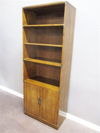 LOVELY BOOKCASE WITH 3 SHELVES AND CLOSED STORAGE