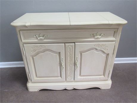 Nice Stanley Furniture French Provincial Server