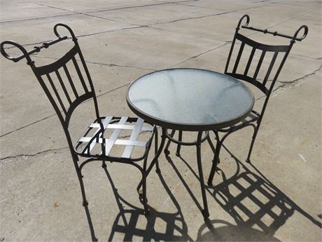 Outdoor Bistro Table & Chairs