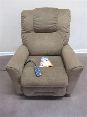 LA-Z-TOUCH LAZBOY RECLINER WITH HEAT/MASSAGE