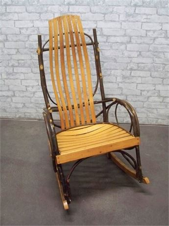 AMISH BENTWOOD ROCKING CHAIR