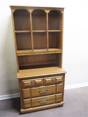 3-DRAWER CHEST WITH HUTCH