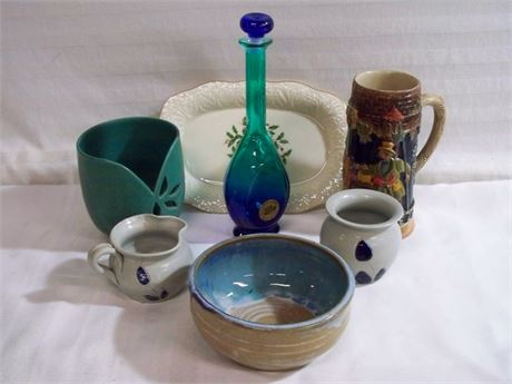 7 PIECE MISC. GLASS/CHINA LOT - INCLUDING WILLIAMSBURG POTTERY, GOEBEL & LENOX