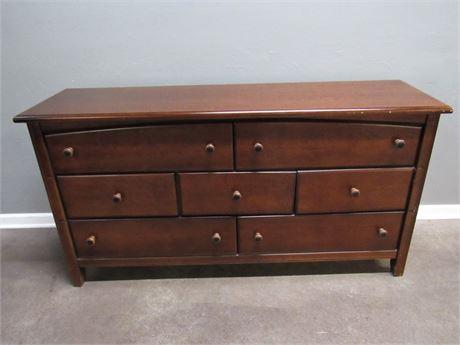Bassett 7-Drawer Cherry Finish Dresser