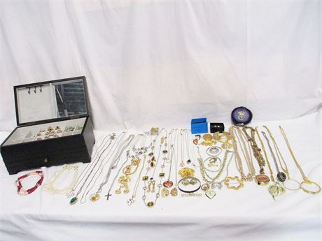 LOT OF EXCELLENT COSTUME JEWELRY