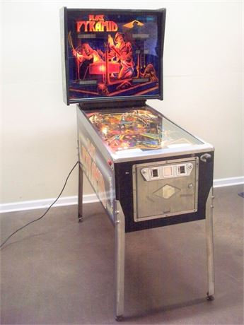 VINTAGE 1984 BALLY/MIDWAY BLACK PYRAMID PINBALL MACHINE