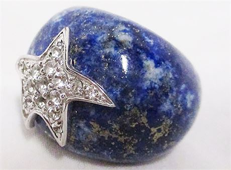 SIZE 7 BLUE STONE RING WITH STERLING SILVER AND WHITE STONE STAR
