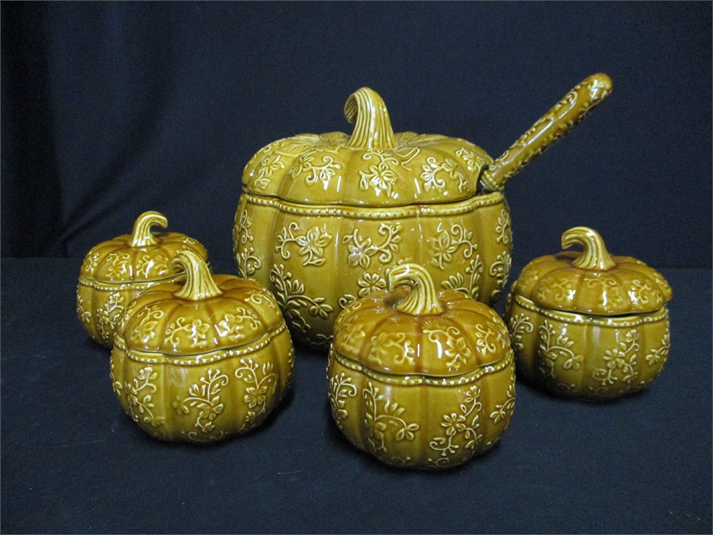Floral Lace Amber Embossed Pumpkin, Temp-tations 4 qt Soup Tureen with Lid
