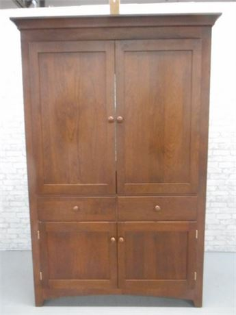 GREAT LOOKING TV HUTCH/ARMOIRE