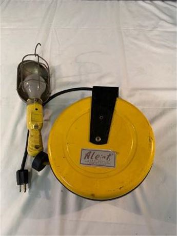 Alert Cord Reel with a Trouble Light & Flotec Water Pump