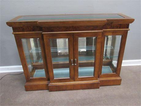 Nice Display/Curio Cabinet