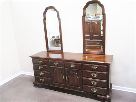 STERLINGWORTH TRIPLE DRESSER