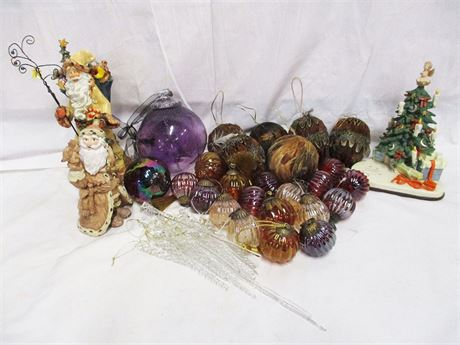 LOT OF CHRISTMAS DECOR FEATURING GOEBEL