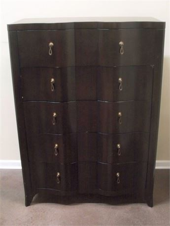 5 DRAWER SERPENTINE FRONT CHEST