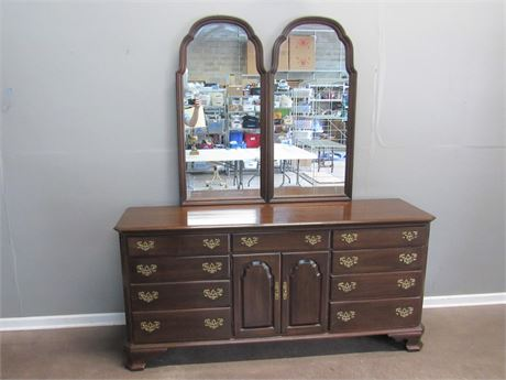 Ethan Allen Georgian Court Collection Dresser with Double Mirrors