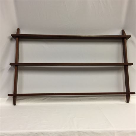 WALL MOUNT PLATE RACK