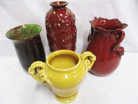 LOT OF VASES FEATURING THE GLASS ASYLUM