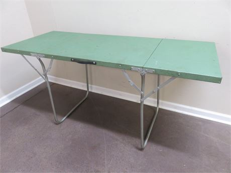 5-Foot Aluminum Folding Table