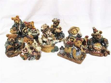 LOT OF 9 BOYDS BEARS AND FRIENDS COLLECTIBLES