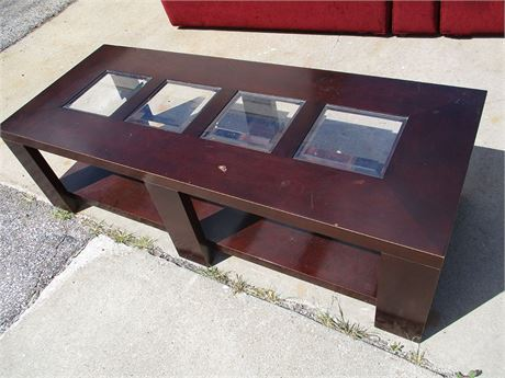TABLE WITH GLASS INSET