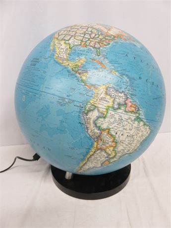Vintage 1976 NATIONAL GEOGRAPHIC Lighted World Globe