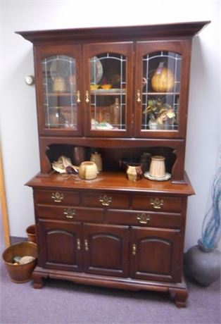 ROXTON CHINA HUTCH WITH FAUX LEAD GLASS