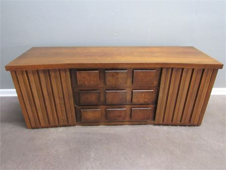 Mid Century Modern United Furniture Corp Dresser