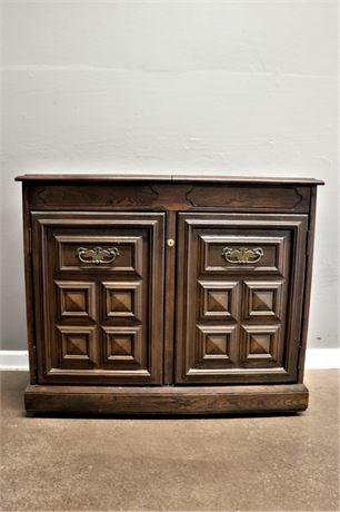 Bar Service Cabinet/Liquor Cabinet
