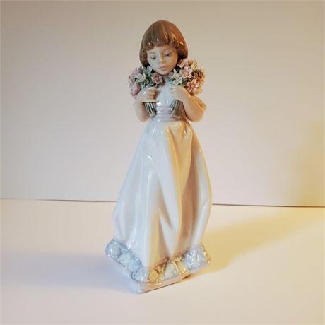 "Lladro Figurine ""Spring Boquets"" #7603 Signed"