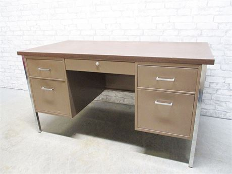 5-DRAWER METAL DESK