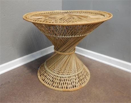 Vintage Round Rattan Twisted Pattern Table